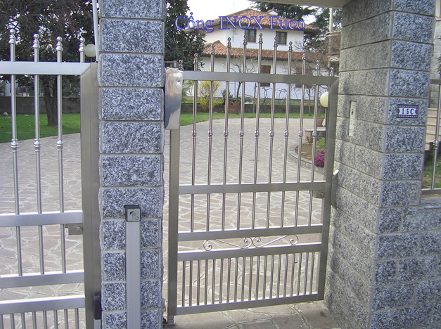 lắp cổng inox