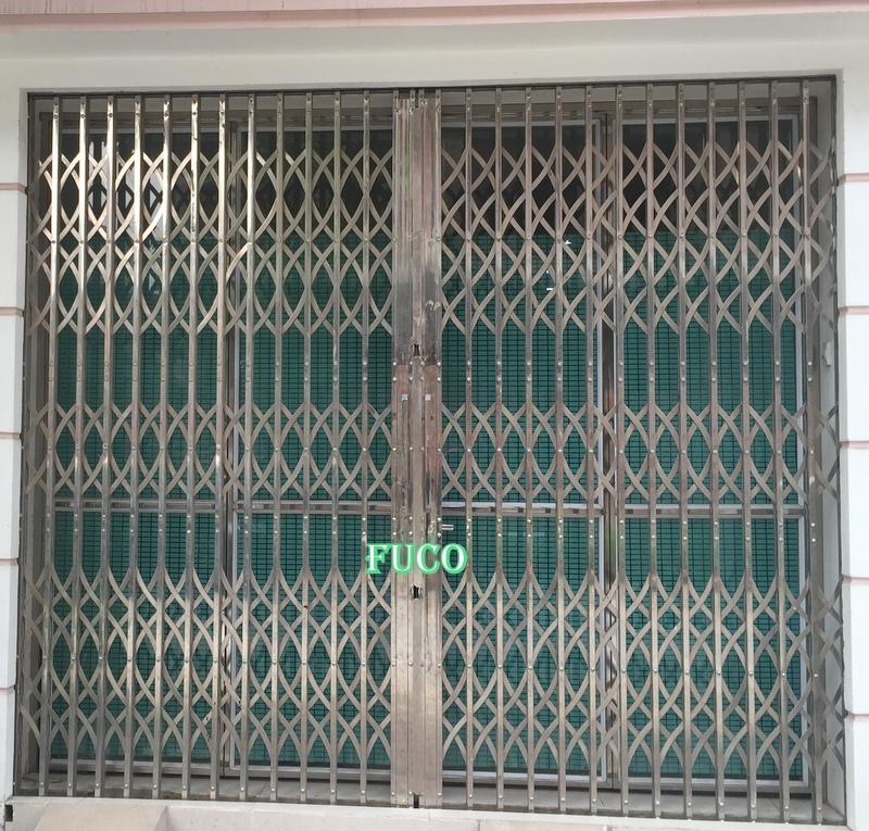 cửa xếp inox hộp fuco