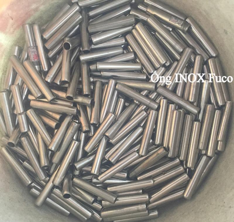 ống phi 9.5 cửa xếp inox 304 fuco